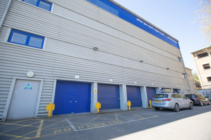 Access Self Storage Battersea - loading bay