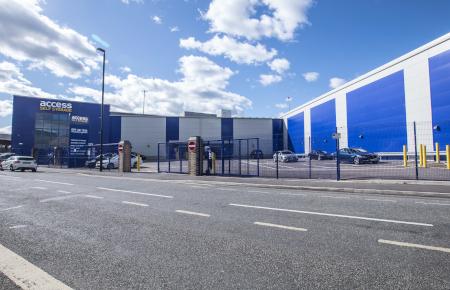 Access Self Storage Bristol - car park