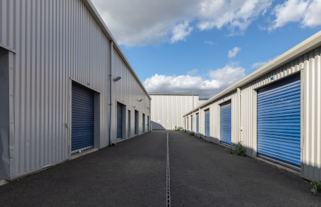 Access Self Storage Charlton - drive up units