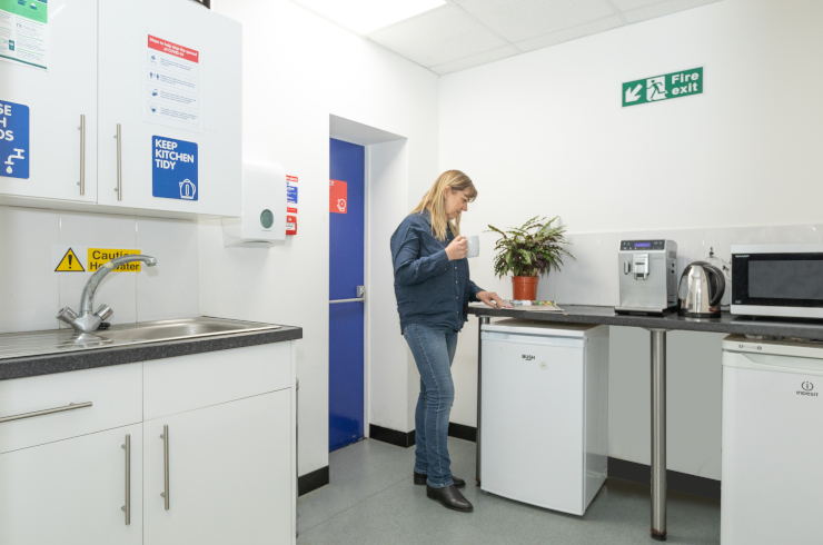 access-offices-hornsey-kitchen