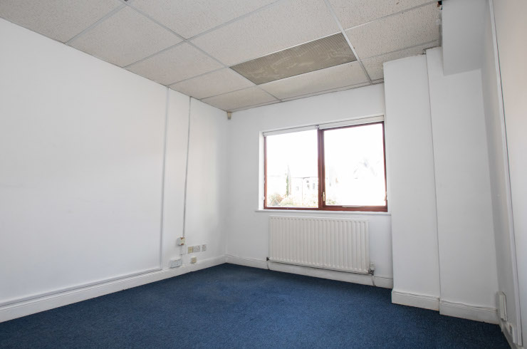 Access Offices Ealing - small office